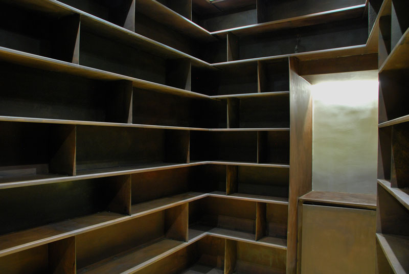 interior-biblioteca-acero-corten-madrid